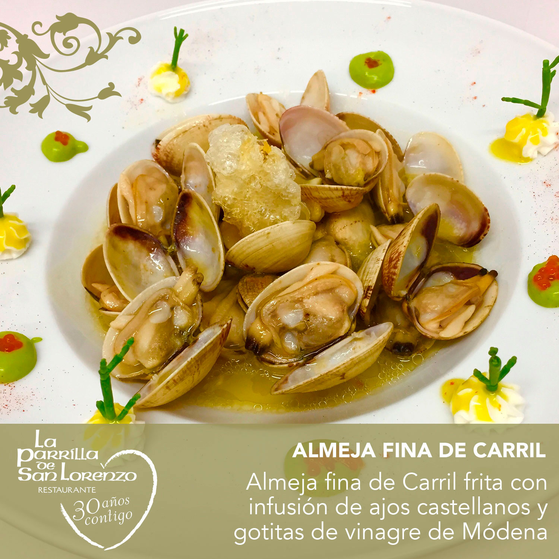 Almeja fina de Carril frita con infusión de ajos castellanos y gotitas de vinagre de Módena